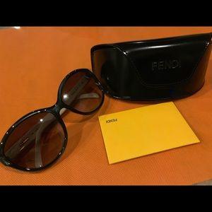 Fendi Cat Eye Sunglasses FS 5286 (58 Lens)